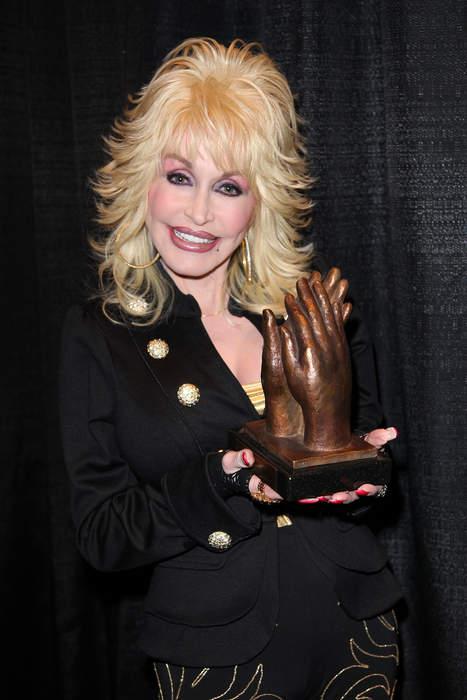 Dolly Parton: American entertainer