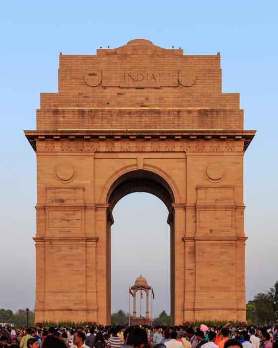 India Gate: Triumphal arch in New Delhi