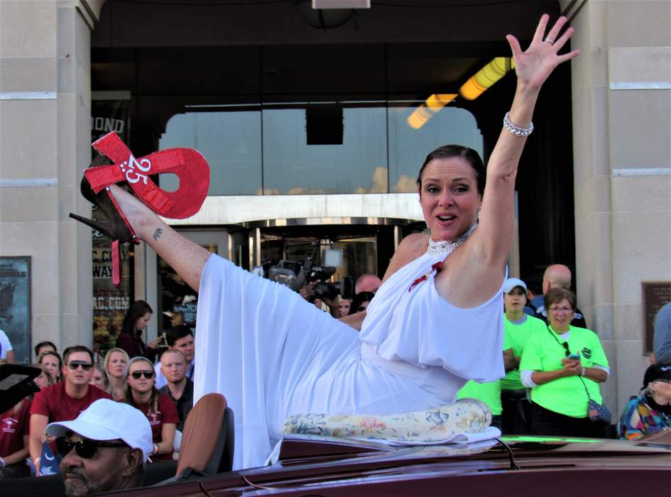 Leanza Cornett: American beauty pageant contestant