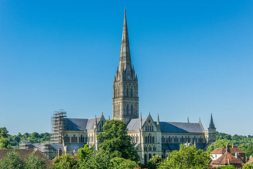 Salisbury: Cathedral city in Wiltshire, England